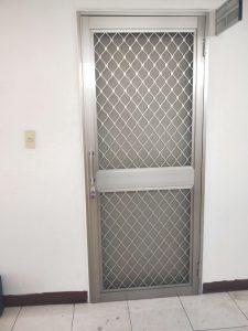 高雄楠梓區外掛鋁製紗門